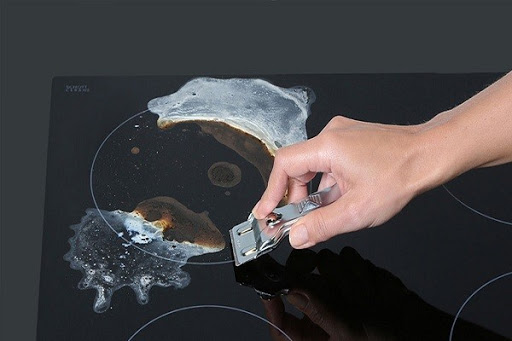 Dùng dao chuyên dụng