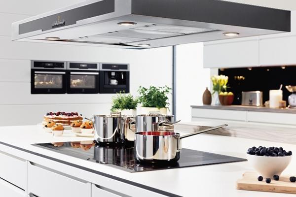 Bếp điện từ và bếp từ khác nhau ở dụng cụ đun nấu